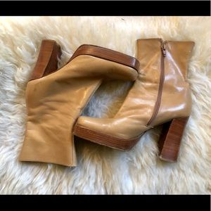 90s does 60s 70s Brown Leather Platform Boots